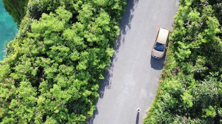 三角点(伊良部島)をドローンで上空から撮影