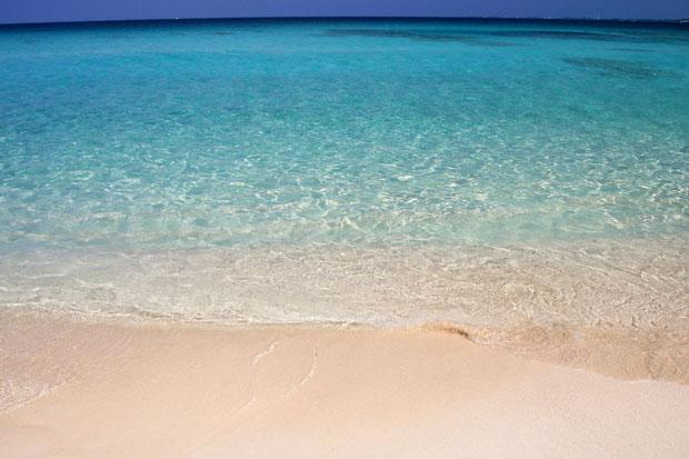砂山ビーチの透明度は抜群