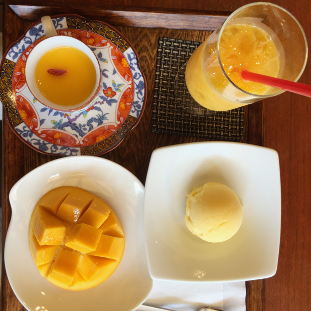 楽園の果実(来間島カフェ)マンゴーづくしの1品