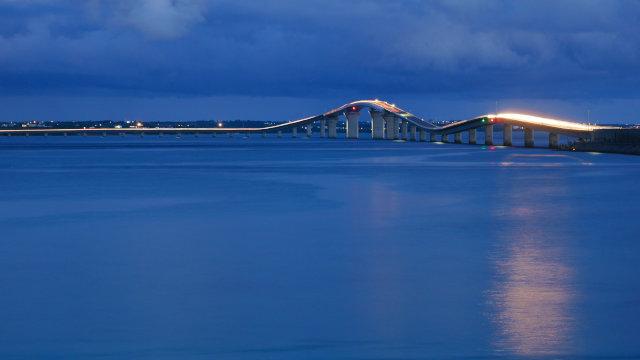 夜の伊良部大橋
