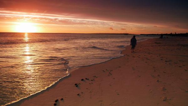 与那覇前浜の美しい夕日