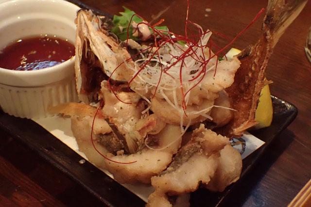 琉球海鮮旬菜 酒坊 グルクンのから揚げ